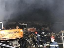 Cháy lớn tại công ty sản xuất bao bì ở Bình Dương