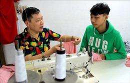 Ngày Quốc tế Người khuyết tật 3/12:'Thầy'của hơn 70 người khuyết tật