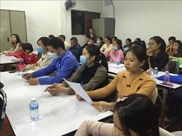 Khai giảng lớp ngoại ngữ miễn phí cho người Việt tại Lào