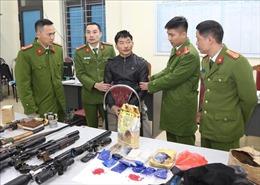 Bắt một đối tượng, thu giữ số lượng lớn ma túy, súng và lựu đạn