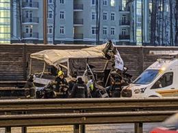 Xe tải hạng nặng đâm vào đoàn xe quân sự tại Nga, thiệt hại lớn về người