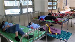 Tăng cường bác sĩ hỗ trợ điều trị bệnh nhân ngộ độc tập thể ở Phú Yên