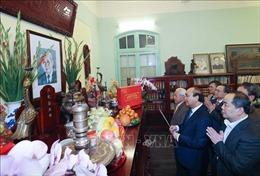 Thủ tướng Nguyễn Xuân Phúc dâng hương tưởng nhớ các đồng chí lãnh đạo Đảng, Nhà nước
