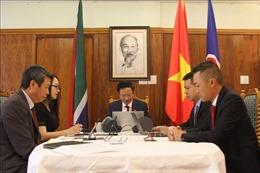 Đại sứ Việt Nam trao đổi với Đảng Cộng sản Nam Phi về kết quả Đại hội XIII