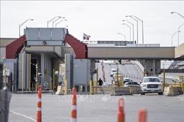 Mexico, Mỹ kéo dài hạn chế đi lại qua biên giới chung