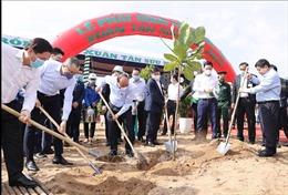 Thủ tướng Nguyễn Xuân Phúc tham dự 'Tết trồng cây'xuân Tân Sửu