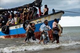 Tìm thấy chiếc thuyền chở 90 người tị nạn Rohingya trôi dạt trên biển