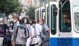 Diễn biến dịch COVID-19 nghiêm trọng tại Ba Lan, Pháp và Thụy Sĩ