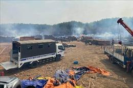 Bình Phước: Cháy khu vực chứa gỗ trong khuôn viên Chi cục Hải quan