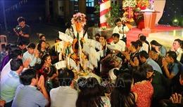 Lưu học sinh Lào vui Tết cổ truyền Bunpimay trên đất Cố đô Huế