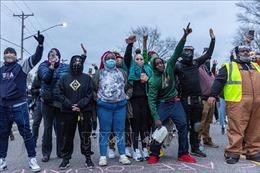 Tiếp diễn đụng độ giữa cảnh sát và người biểu tình ở Minneapolis, Mỹ