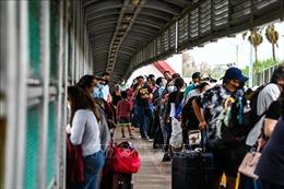 Số người di cư trái phép bị bắt tại biên giới Mỹ - Mexico tăng vọt