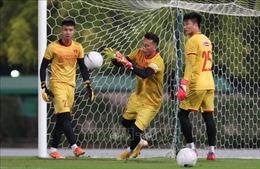 Vòng loại World Cup 2022: Tấn Trường rộng cửa bắt chính cho tuyển Việt Nam