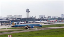 Giảm tần suất chuyến bay đến Tân Sơn Nhất