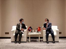 Bộ trưởng Ngoại giao Bùi Thanh Sơn gặp song phương Bộ trưởng Ngoại giao Lào