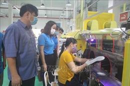 Tổ an toàn COVID-19 - 'Lá chắn'bảo vệ công nhân lao động