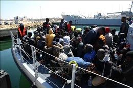 Tunisia và Lybia phát hiện hàng trăm người di cư vượt biển Địa Trung Hải