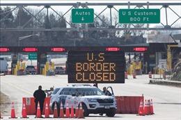 Mỹ gia hạn hạn chế đi lại tới Canada và Mexico