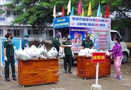 Cung cấp hàng hóa thiết yếu hỗ trợ người dân vùng dịch