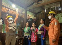 Đồng bào dân tộc Mông ở Sơn La được sử dụng điện lưới quốc gia