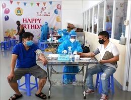 TP Hồ Chí Minh: Bắt đầu tiêm vaccine mũi 2 cho công nhân trong khu chế xuất