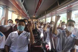 500 cán bộ, nhân viên y tếQuảng Ninh hỗ trợ Hà Nội sớm đẩy lùi dịch COVID-19