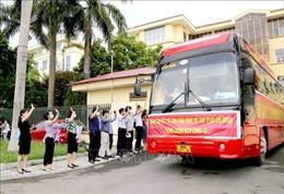 Cán bộ y tế Vĩnh Phúc hỗ trợ TP Hồ Chí Minh và tỉnh Bình Dương chống dịch