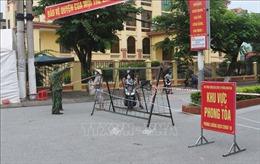 Người dân thành phố Phủ Lý (Hà Nam) ở vùng nguy cơ cao và rất cao được phát thẻ đi chợ 2 lần/tuần