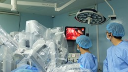 Thai phụ mang song thai thoát ải tử thần nhờ thực hiện phẫu thuật robot