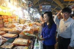 Bộ trưởng Bộ Y tế 'vào cuộc' ngăn chặn nguồn thực phẩm kém chất lượng dịp Tết
