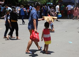 Những lưu ý để hạn chế bị bệnh, ngộ độc thức ăn khi đi du lịch mùa nắng nóng