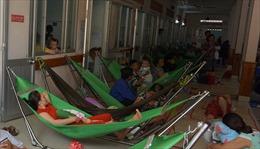 Trẻ mắc bệnh hô hấp tăng cao, bệnh viện quá tải