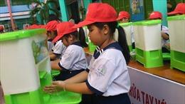 Các trường học phải đảm bảo đủ xà phòng và bồn rửa tay cho học sinh