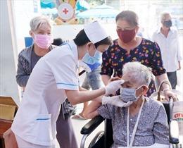 Bệnh viện tại TP Hồ Chí Minh sàng lọc tất cả bệnh nhân đến khám để phòng dịch COVID-19