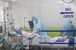 Phổi của bệnh nhân số 91 phi công người Anh bị tổn thương cấp và nhiễm trùng