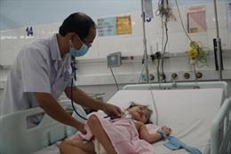 Sử dụng kỹ thuật ECMO cứu sống bé gái 3 tuổi nhẹ cân bị viêm cơ tim tối cấp