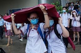Chiều 9/8: Thí sinh TP Hồ Chí Minh đội mưa đi thi Toán