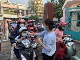 TP Hồ Chí Minh xử phạt trên 4.000 người không đeo khẩu trang nơi công cộng