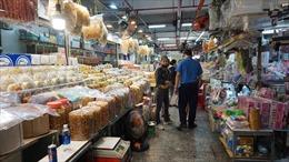 Sức mua chậm, tiểu thương chợ truyền thống dè dặt nhập hàng Tết