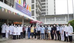Những y, bác sĩ đến Bắc Giang với lời hẹn 'hết COVID-19 mới về'