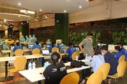 TP Hồ Chí Minh lấy mẫu xét nghiệm COVID-19 trên 25.000 người lao động tại khu công nghệ cao