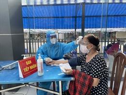TP Hồ Chí Minh phân bổ hơn 146.000 liều vaccine COVID-19 tiêm cho người trên 65 tuổi