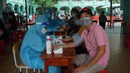 TP Hồ Chí Minh kết hợp đội lấy mẫu và đội tiêm vaccine tại nhà cho người vùng nguy cơ cao