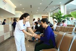 TP Hồ Chí Minh thông báo 52 cơ sở y tế khám bệnh tại nhà cho người cao tuổi