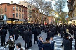 Thành phố New York của Mỹ mạnh tay xử lý vi phạm giãn cách xã hội