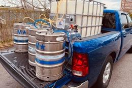 Mỹ: Hàng triệu bom bia không biết đổ bỏ đi đâu vì COVID-19