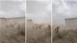 Video 'Bức tường biên giới của ông Trump' bị bão Hanna quật đổ