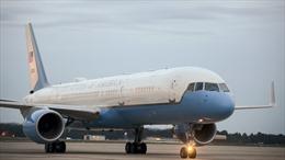 Không lực 1 chở Tổng thống Mỹ suýt đâm va với vật thể bay lạ