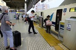 Nhật Bản chật vật duy trì đội tàu cao tốc vắng khách vì COVID-19
