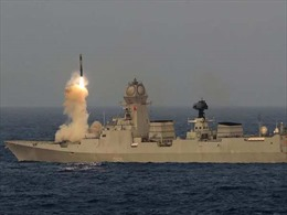 Ấn Độ thử thành công tên lửa BrahMos phóng từ tàu tàng hình